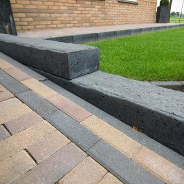 betonbiels 12x20x60 zwart